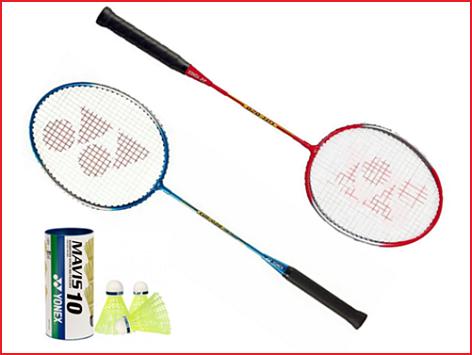 een recreatieve badmintonset van Yonex