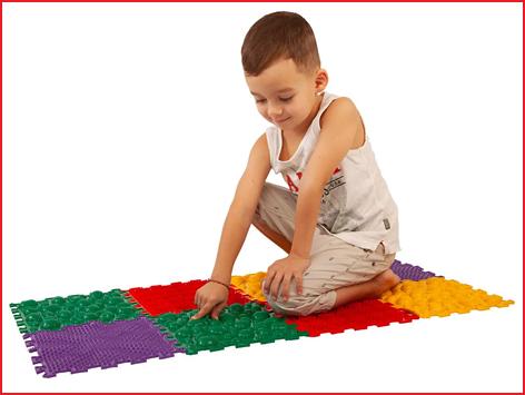 kinderen ontdekken nieuwe structuren met de ortho puzzel