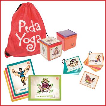 yogaset om kinderen te helpen in hun ontwikkeling