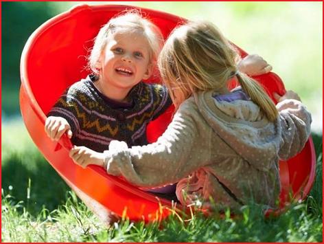 een grote en sterke balanceerschaal voor 1 of 2 kinderen
