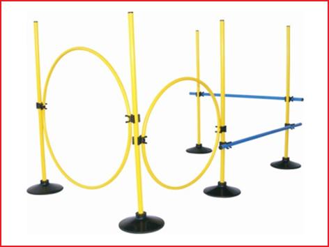 deze voetsteunen voor stokken zijn ideaal voor het opzetten van een hindernisparcours in sport en spel