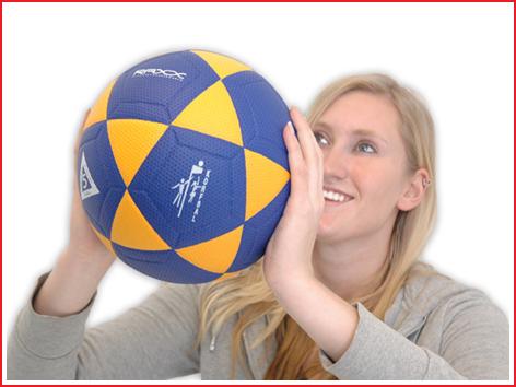 een korfbal met goede grip en controle