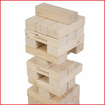 Jenga giga bestaande uit 56 grote blokken met elk een afmeting van 21 x 7 x 4,7 cm