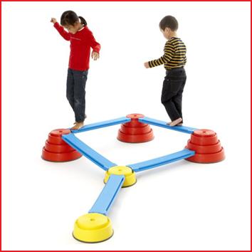 een balanceerparcours van Gonge waarbij verschillende combinaties mogelijk zijn