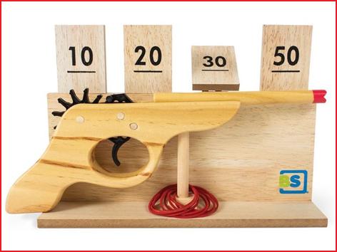 een houten schietspel voor binnen en buiten huren