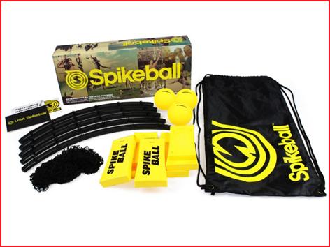 Spikeball is snel en eenvoudig op te stellen