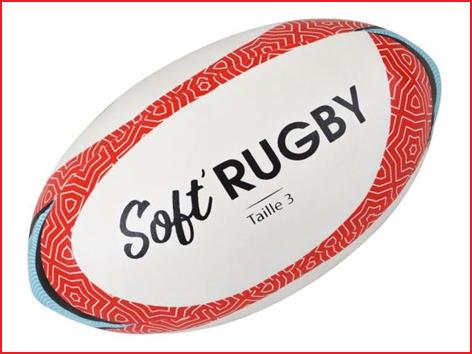 een zachte rugbybal foam voor initiatie