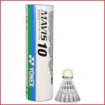 een koker met 6 badminton shuttles Yonex Mavis 10