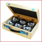 een petanque set bestaande uit 2 sets van 3 petanque ballen