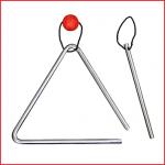 een verchroomde metalen triangel met klopper voor kinderen