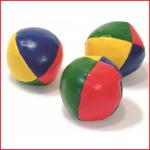 kleine jongleerballen met een diameter van 50 mm om te leren jongleren