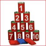 een spannend blikgooispel bestaand uit 10 genummerde blikjes en 3 werpzakjes