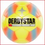 de Derbystar Futsal Brillant is een hoogwaardige low bounce zaalvoetbal