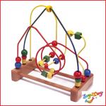 een duurzame houten kralenframe van het merk Joy Toy
