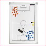 een magnetisch tactiekbord voetbal van 90 x 60 cm