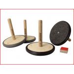 Pedalo curling indoor bestaande uit 4 houten schijven en een puck