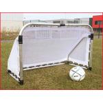 een opvouwbaar voetbaldoel van 155 x 95 x 75 cm voor binnen en buiten