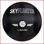 de bal Spordas Skyfloater heeft een diameter van 122 cm