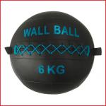 een wall ball van 6 kg voor cross training