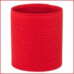 een rode elastische kapiteinsband