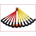 een hockeyset indoor bestaande uit 12 hockeysticks en 3 no bounce ballen